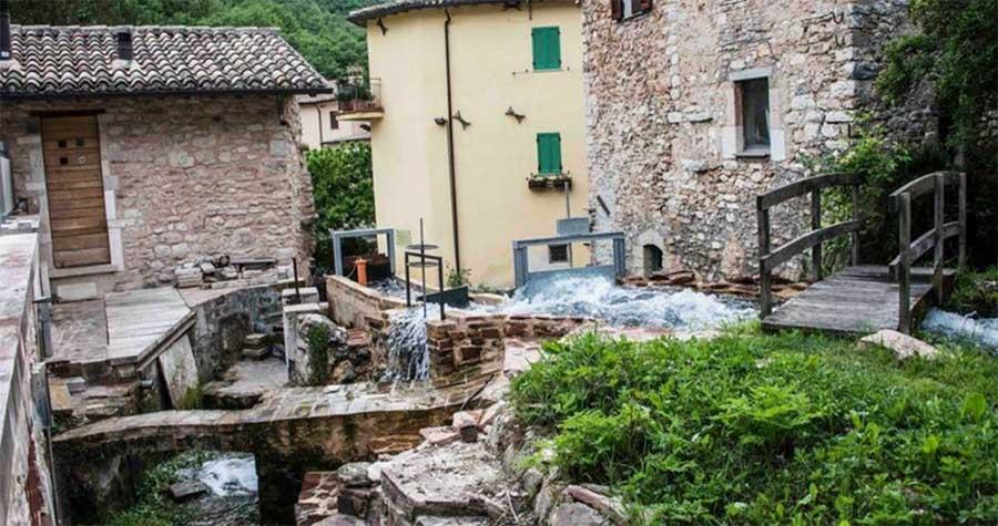 Rasiglia: il borgo intorno al fiume Menotre