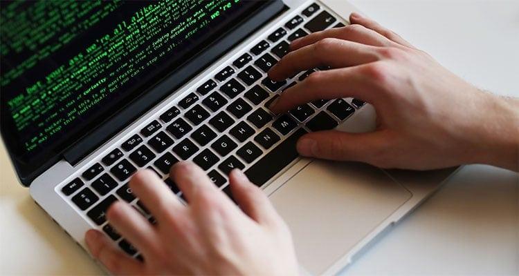 Cybersicurezza: proteggersi da attacchi informatici